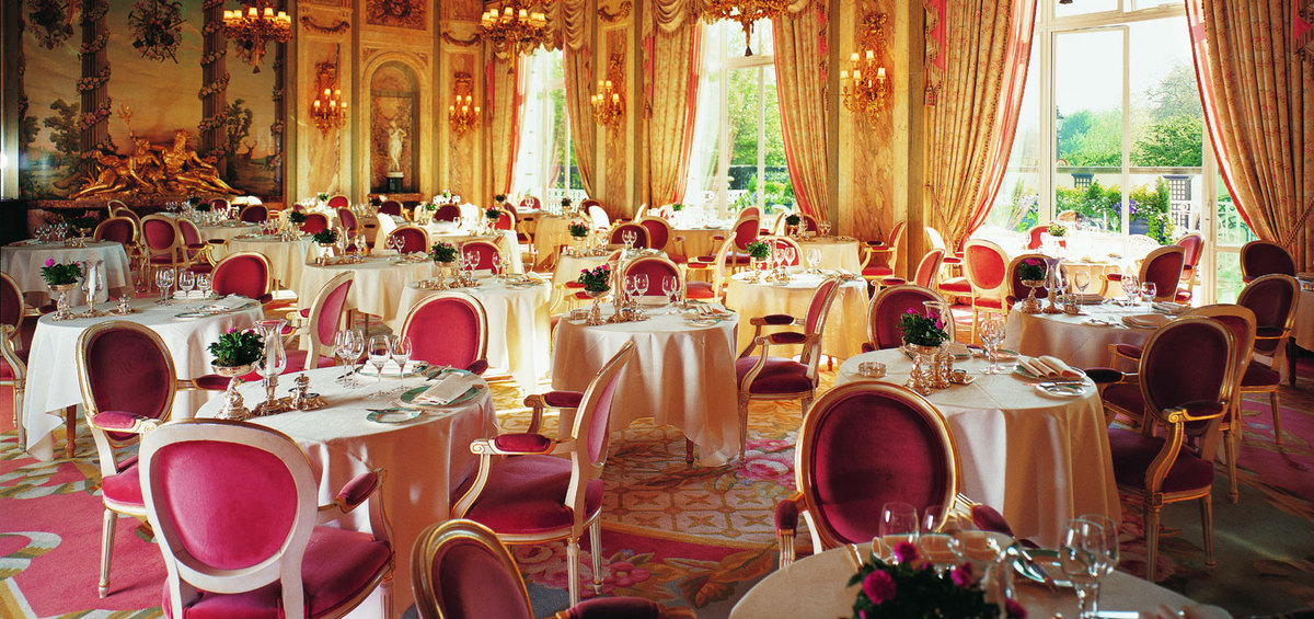 Lunch at the ritz stuart george for World s most beautiful dining rooms